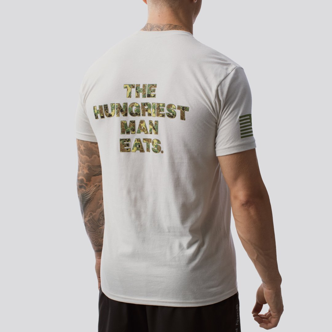 T-shirt The Hungriest Man Eats - Sand