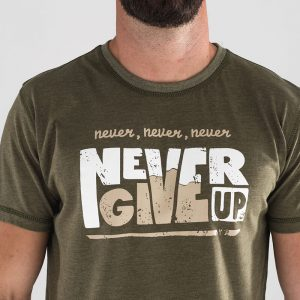 T-shirt Never Give Up – Titan Box Wear